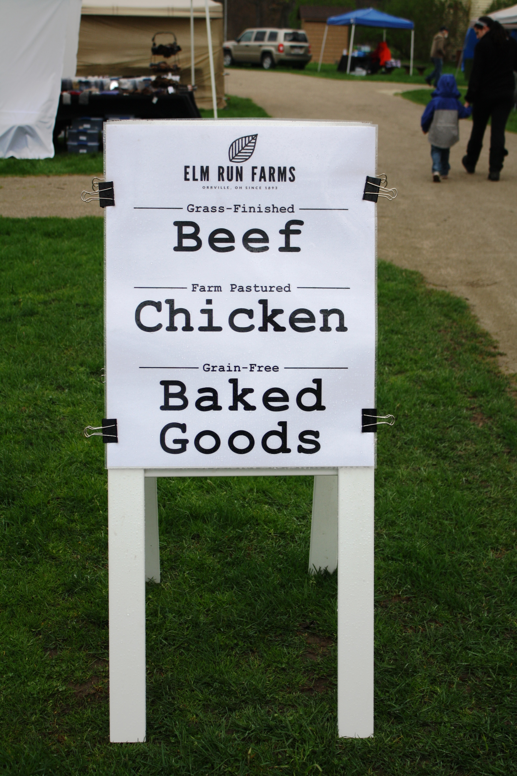 Beef, Chicken, and Baked Goods sign